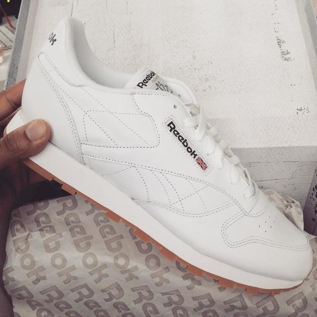 I remember going to 69th street and pulling these off the rack at footlocker. This may have very well been the moment I fell in love w/ gum soles.  Prior to the Throwback era and later the T-skirt era in the 2000s Philly was all about polos, coogies and a fly and fitted esthetic. We were all about crisp and clean clothes with bright colors. We wanted to stand out. These were the perfect complement to that style.  I'm so glad I can have these back in my closet. I can't wait to throw these on.  #ThisIsClassic #ClassicLeather #reebokclassic