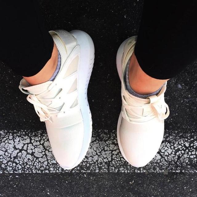 New kicks 😋  #adidas #adidasoriginals  #igsneakercommunity #kotd #3stripestyle #wdywt #tubular #tubularteam #kicksthesedayz #instakicks #kicksonfire