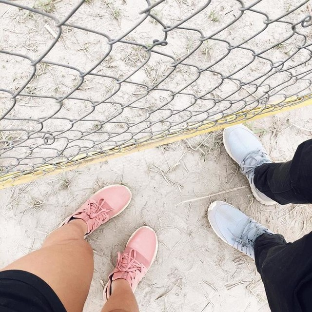 i wish to have your feet with me in all identical places 💕#vsco #vscotravel #vscodaily #vscocam #adidas #tubular