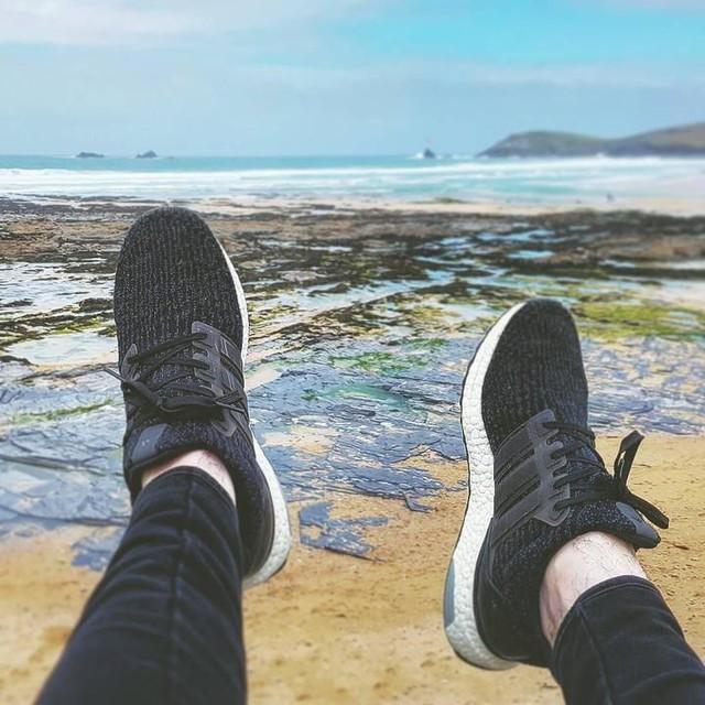 Seaside boost beaters #noairneeded #seaside #boostvibes #adidas #ultraboost #photography #sneakerphotography #seaside #sun #sand #wavy
