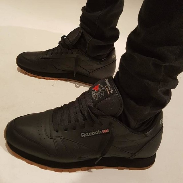 reebok classic black leather