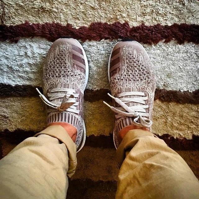 Somebody but Nobody without anybody.../// . . . . #adidas#adidasultraboost#uncagedultraboost#boost#boosted#boostlife#boostvibes#instagood#instyle#kotd#kicks#kickstagram#kicksonfire#kicksoftheday#sneakers#sneakerhead#sneakeraddict#fitover40#