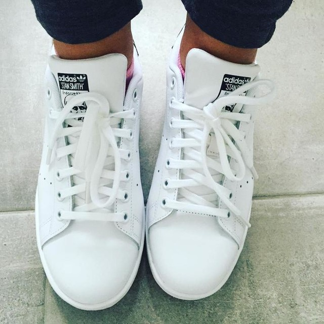 What do you think about my new adidas Stan smiths ???? Very white but they look great with everything! what do you wear when you aren't training??? #restday #workout #thecaeway #fitstronghealthy #healthyeating #healthylifestyle #fitness #fitspo #fitfam #superstar #photooftheday #exercise #gym #fashion #adidas #stansmith #fashionblogger #kicks #instafitness #instagood #instagram #trainers #sneakers #oldskool #activewear #instahealth