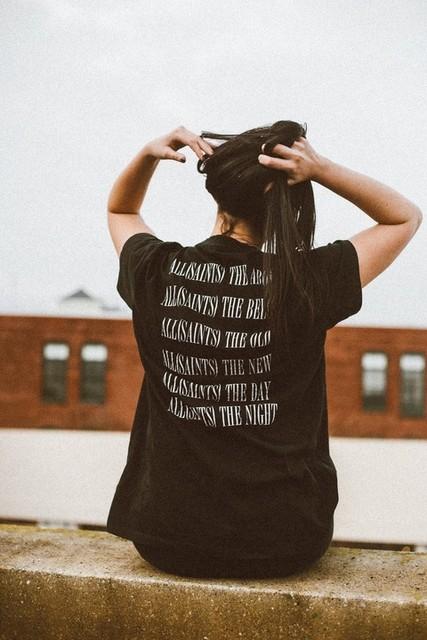 Sarah DiModugno - T-shirt Brackets