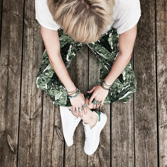 Ootd ✔️ New palmtrees pants and #stansmith ❤️ Belle soirée 💋 Lovely evening 💋 . #fashion #fashionblogger #fashionista #blogger #blog #blonde #littlebohoblog #ootd #outfit #style #sneakers #sneaker #palmtrees #style