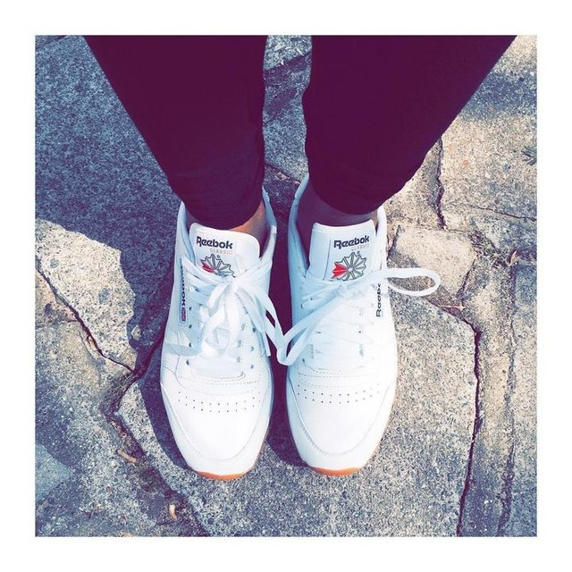 Just kickin' it CW ❤️ xx Totally in love with my @reebokclassics @reebokwomen my summer go to !!#instastyle  #instamood #streetstyle #weekend #thisisclassic