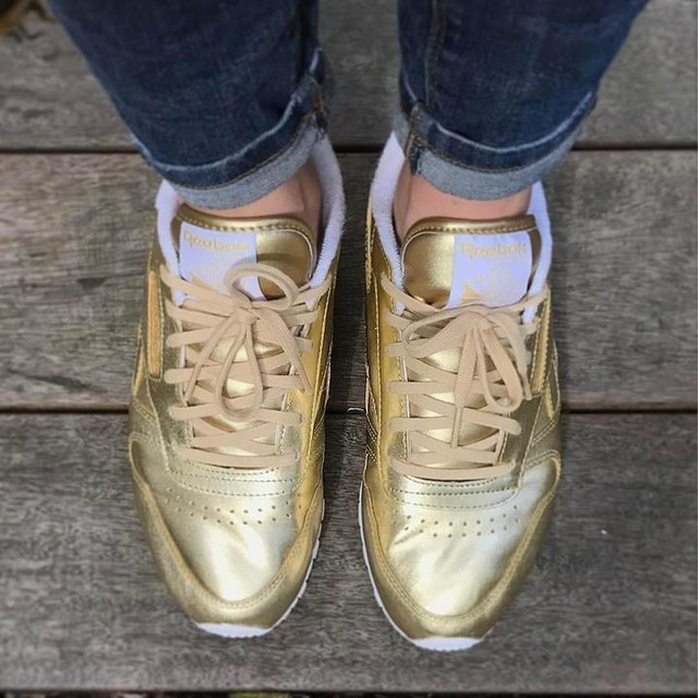 Third pair of gold trainers... #newkicks #reebokclassics #boxfresh #goldtrainers
