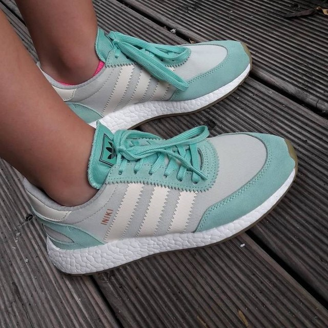 New arrival >Adidas Iniki Runner Boost < 👟💥 #adidasinikiboost #adidas #iniki #boost #neuesneakis #diesammlungwächstundwächst #shüsh #sneakerhead #wkmsnshg #mint #sneakers #schnapp #günni #kannmanmalmachen #sammlungerweitern #fresh #frischeware #nunu #klappezuaffetot #onfeet #feetonfleek #neuetreter #laceitup #green #high5 #againandagain #liebe #love #stabil #solide