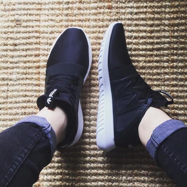 New babies 😍❤️🔝 #adidas #adidastubular #viral #blackandwhite #loveit #new #love #sport #shoes #shoeslover #adidaswomen