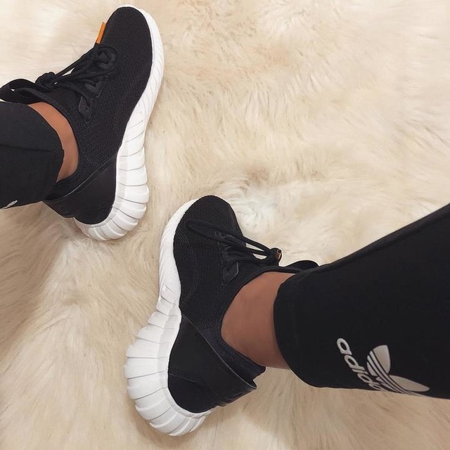 @adidas tubular doom sock 💣