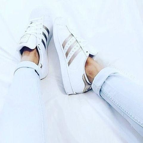 image: adidas superstar [42]