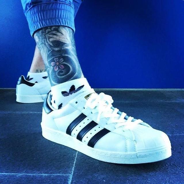 Dat boost life... @adidasoriginals . . . . .  #adidas #boost #superstar #boosthaven #boostvibes #yesadidas #3stripesstyle #inked #fashion