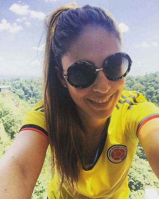 #MiSueñoParaColombia es tan grande como el amor que siento por esta camiseta ¿Cuál es tu sueño para el país? 💛💙❤️