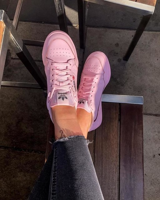 It's a new kicks kinda day. Lovin' my adidasoriginals Continental 80s! Why are all my shoes pink tho? 🤔 #ytho #continental80 #clearpink #adidasoriginals 💕👟