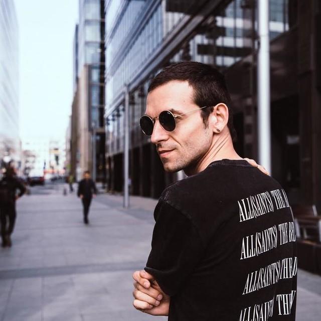 valery.latypov - Camiseta Brackets
