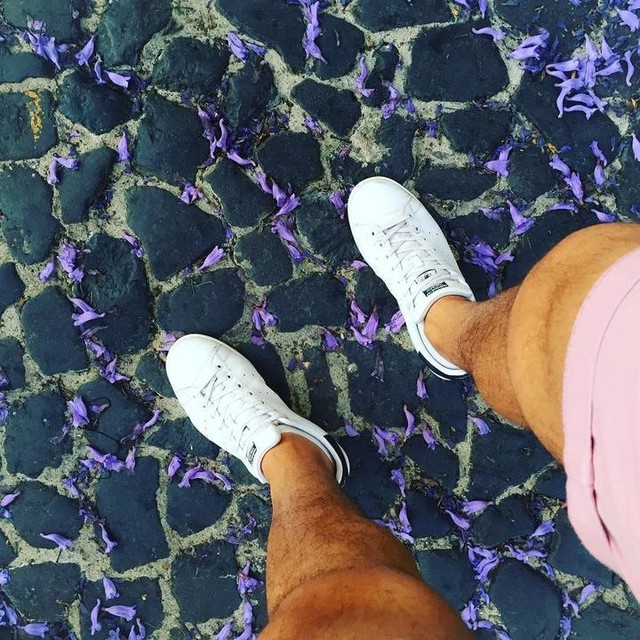 J a c a r a n d a 🌸👟🇵🇹 #lisboa #portugal #weekend #jacaranda #flowers #beautiful #stansmith #adidasoriginals #like4like #instaplace #visiting #places #followforfollow #instamoment #weekend #nature #beautiful #view #holiday #followme #vsco #vscophile #vscogrid #igers #igersoftheday #picoftheday #f4f #followme