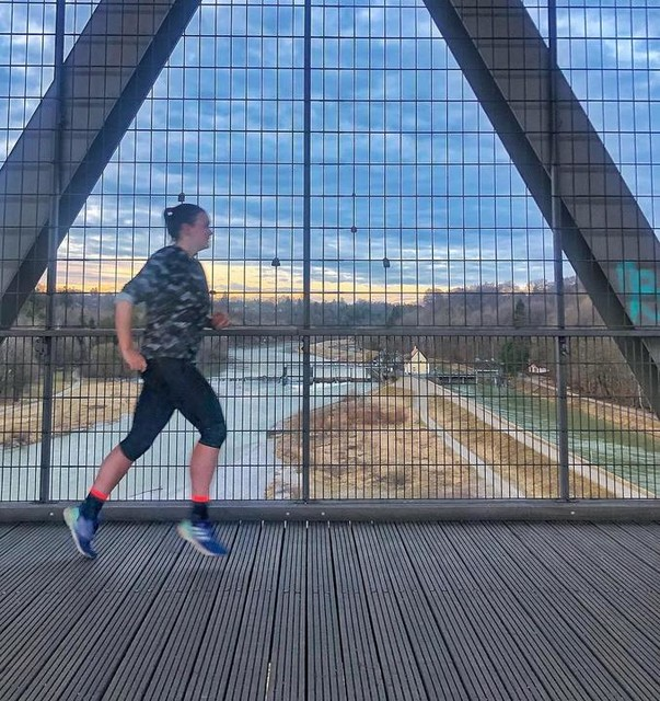 This is seriously one of my most favourite places to run in Munich - the Großhesseloher Brücke (bridge) 🌉 Especially when you run in the early mornings and see the sunrise from up there, it's definitely something special and always worth the effort to get up there 🌅 Do you have a favourite place in Munich or your hometown (for running or other activities)? 🏃🏻♀️ _______________________________________________________ #großhesseloherbrücke #grosshesseloherbrücke #favouriteplace #sunrise #earlymorning #earlybird #morningrun #Berlinhalfmarathon #Berlinhalfmarathon2019 #Berlin #halfmarathon #halfmarathontraining #running #runners #runnersofinstagram #runnerscommunity #instarunning #instarunners #photooftheday #picoftheday #pictureoftheday #potd #runningcommunity #adidas #adidasrunners #adidasrunnersMunich #TakeCharge #TakeChargeMunich #munichrunninggirls #laufen