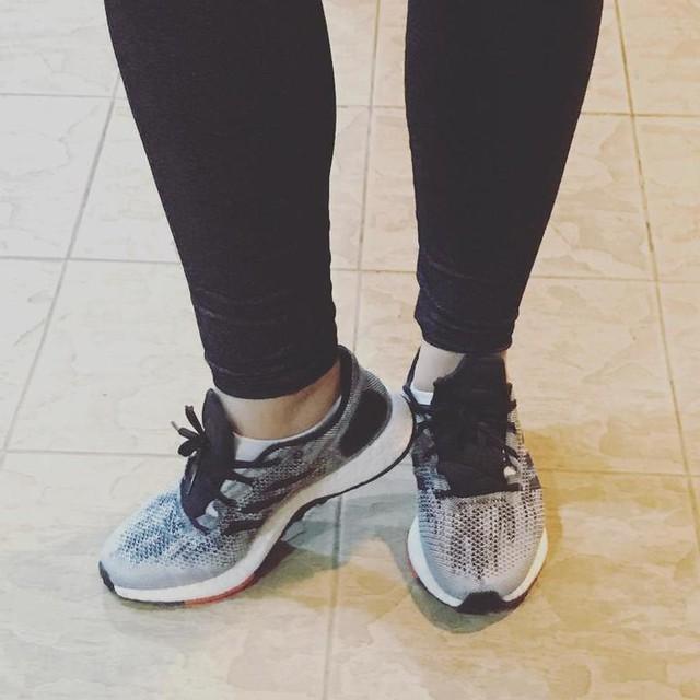 My new pure boost. I m loving it soooooo much #adidas #pureboost #3stripesstyle #pureboostdpr #workout #sneakers #adidassneakers
