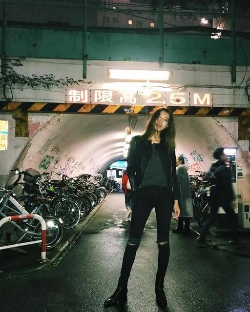 - Cazadora biker de cuero Gidley
