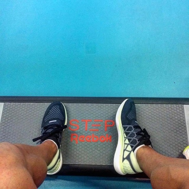 Test your limits with #reebokfloatride @reeboksrbija 🏃🏽 😁 💪🏼 #reebok #reeboksrbija #reebokfitness #athlete #training #trainingday #trackandfield #trackplayer #runningshoes #run #reebokxchallenge #runnersofinstagram #runnerslife #fitnesmanija