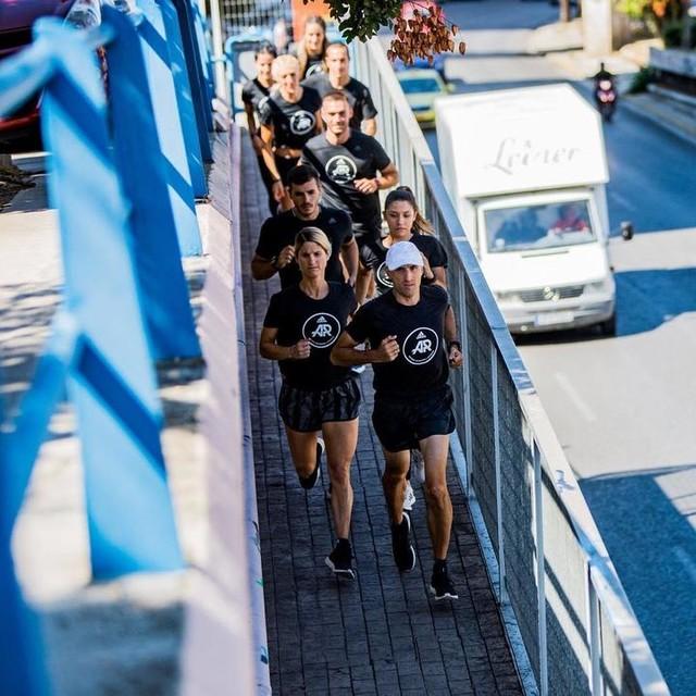 Στενεύουν τα περάσματα, αλλά οι δρόμοι μας οδηγούν για άλλη μια Δευτέρα στο adidas Runbase. 💪18:00 RUN STRONGER 🏃🏻18:45 SPEED SQUAD 🏃🏻♀️19:30 YOUTH RUN Καλή εβδομάδα #adidasrunnersatens #adidasrunners #athens #heretocreate
