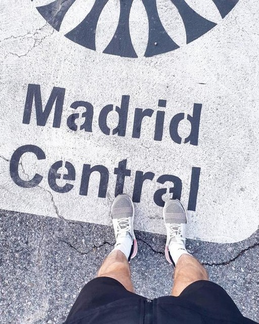Sunday vibes in Madrid. Exploring the street art culture, walking all day in the hipster district of Malasaña, hunting the best burger in town, and of course going for a run at sunset. 👌🏻🇪🇦 #madrid #madrista #lavapies #streetart #malasana #spain #adidasrunnersmadrid