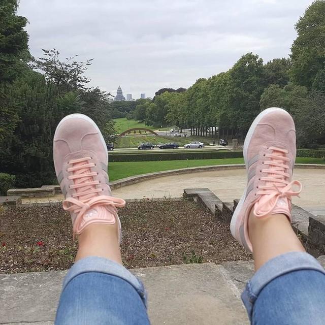 Me encantan mis playeras 😍 @barduden  #shoes #adidas #gazelle #pink&grey 🤗😛😛😛