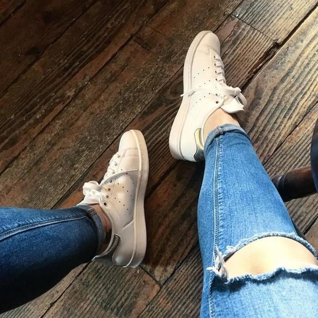 Fresh kicks courtesy of the boy ❤️ #adidas #stansmith #silver #trainer #kicks #shoegame #fashion #thanksbabe