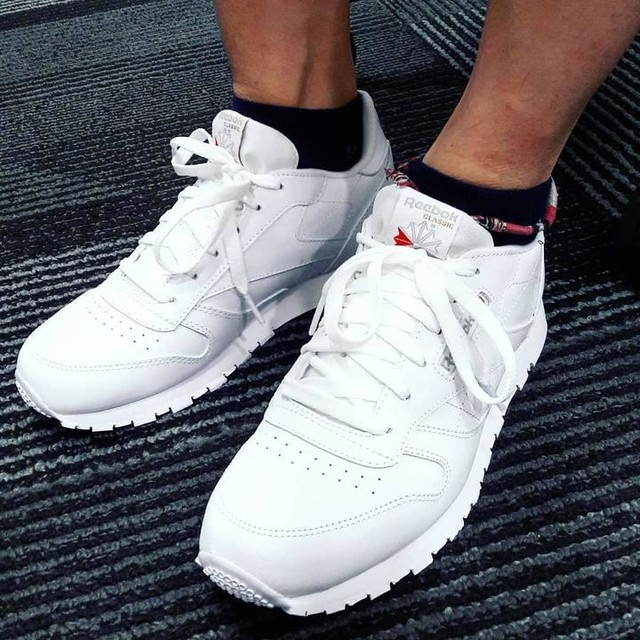 Going back to school 😂 me new white Reebok Classic.  #eatgymplay #gym #shoes #reebok #white #reebokclassic #newkicks #trainers #training #fit #fitness #fitnessfirst #fitnessfirstmelawatimall #fitnessfirstmalaysia #fitnessfirstpt #ffmsia #ffmlm #ffpt #personaltrainer #pt #lovethejourney #keepitgoing