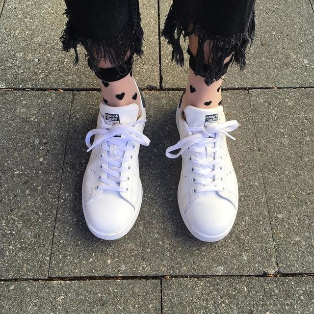 Showing some love for the upcoming weekend. #showinglove #happyweekend #weekend #friday #tgit #happyfriday #happy #happyfeet #heart #love #adidas #stansmith #fashion #socks #denim #black #white #summer #spring #vibes #fromwhereistand #view #inspiration #me #girl #munich #instagood #instalike #instadaily