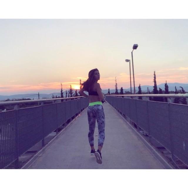 Sunset run 🏃🏻♀️ . . #sunset #run #running #athens #runner #runninggirl #loverunning #runlife #fit #coach #fitness #fitnesslifestyle #fitnessmotivation #fitnesslife #fitnessaddict #urban #training #adidas #runningcoach #fitnessmodel #fitspo #fitspiration #urbanstyle #ultraboost #adidasrunnersathens #shapegreece