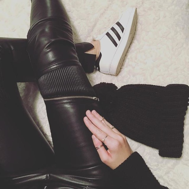 O u t f i t 💋 #Elodie #todayimwearing #lookdujour #outfit #ootd #otd #stansmith #adidas #zara #commeunefille #cuir #mood #mondaybastard #look  #igersbordeaux #igerbordeaux #bordeauxmaville #bordeaux