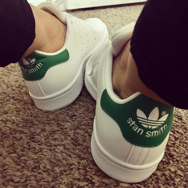 💚 #sotd #shoesoftheday #wiw #whatiwore #adidas #stansmith #shoes #iloveshoes #faveshoes #comfyandcute #lovethese #theygowitheverything #shoehoarder #adidasstansmith #classic