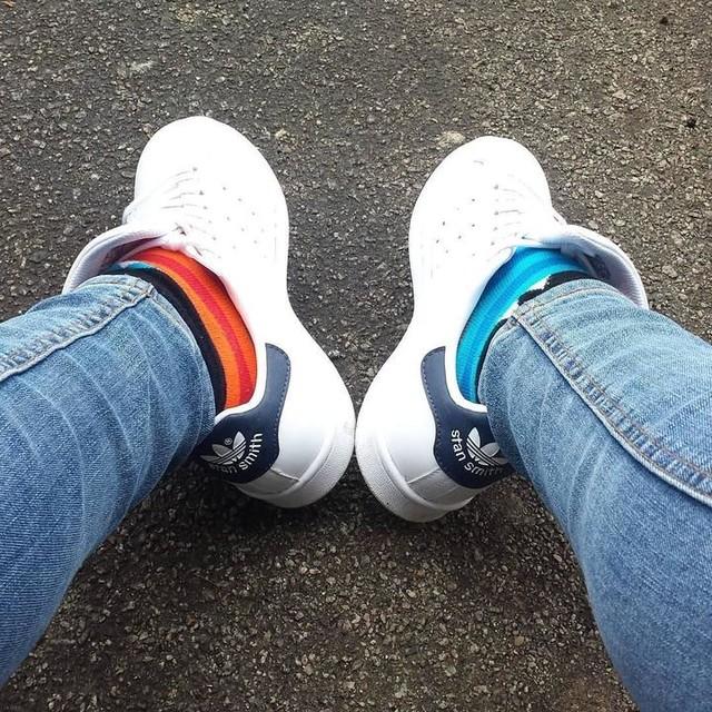 #roadtrip fu un gran mal di piedi... #comunqueandare #newshoes #stansmith #white & #colours  #socks #troppobelle