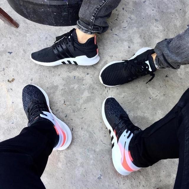 - Em hỏi tôi có thương em có nhớ về em ko ? - Tôi bảo em nhìn xem đôi giày có khi nào muốn rời xa mặt đất ko !  #adidas #adidaseqt #adidaseqtsupport #eqt #eqtsupportadv #adv