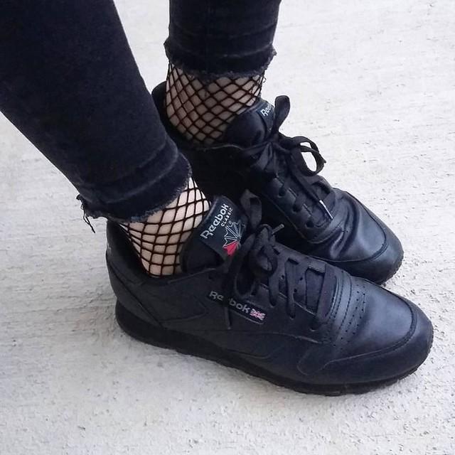 #shoes #shoesoftheday #reebok #black #picoftheday #instaminsta #instafashion #fashiongram #mode #fashion #losgehts