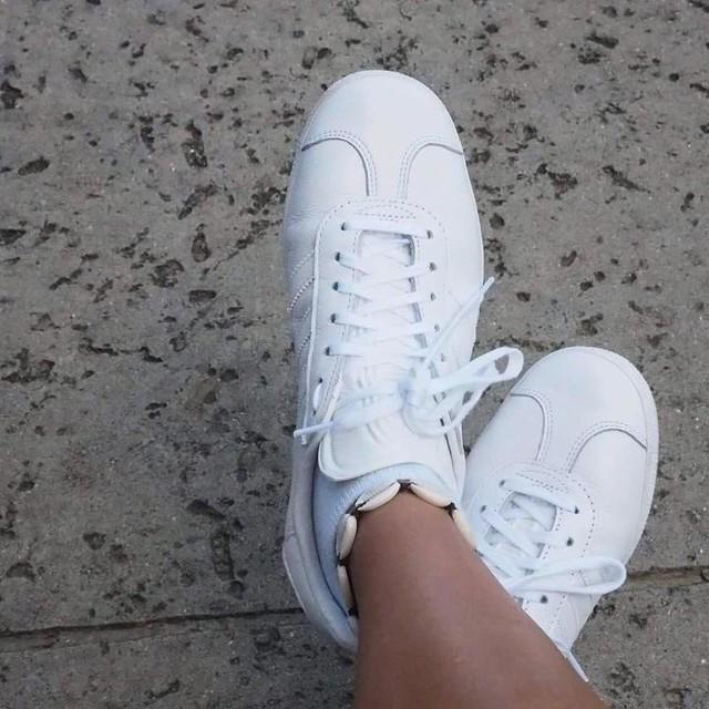 adidas gazelle all white