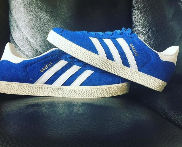 From me... to me... #treat #earlybirthdaypresent #fromme #tome #adidas #adidasgazelle #traíners #footwear #kicks #blue #white #3stripesstyle #original