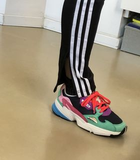 huge selection of 3b99d df5ef Track Pants SST - Nero adidas   adidas Italia
