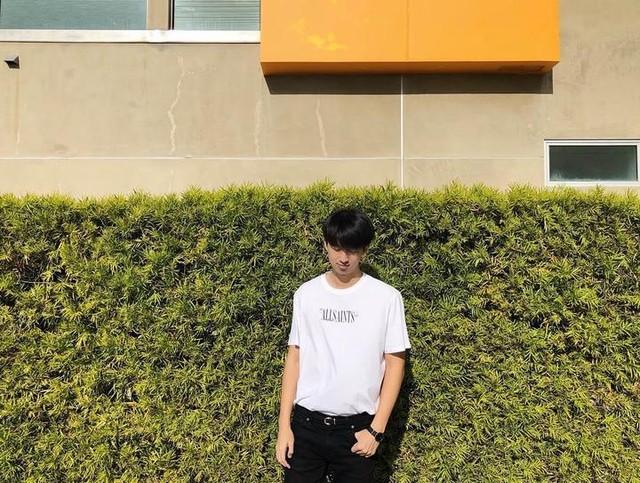 timlo_ss - Brackets Crew T-Shirt