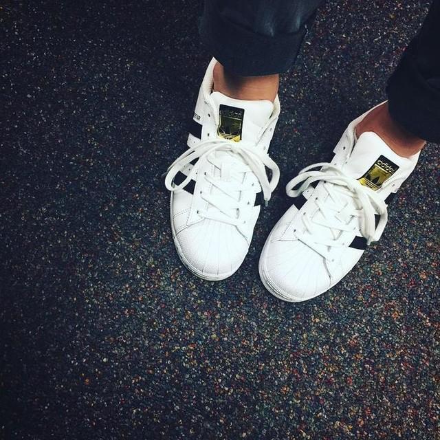 Because SUPERSTARS @adidas #favorite #3stripesstyle #adidas #superstar #shoes #ilikeshoes