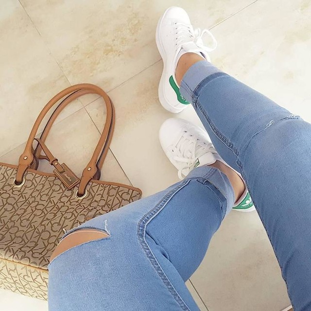 Montothemunk and teetothetrunk and I'm gonna go to London 🎧✈ #ootd #stansmith #lazy#adidas #sneakers #ck #calvinklein