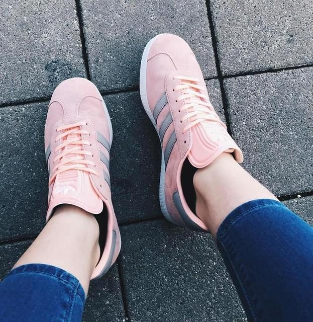 My new babies 😍  #gazelle #adidas #adidasgazelle #adidasgirl #shoes #newshoes #design #pink #casual #3stripesstyle @adidasoriginals