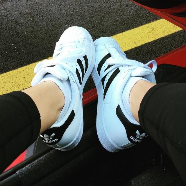 Perfect day to wear my new #kicks ☀️ #adidas #originals #superstar #shoefie #adidasoriginals #threestripes 👟 oh and #happyvalentinesday 💕❤️🤷🏻♀️