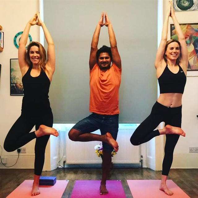Magical Monday Yoga session with our teacher Dipu. @dipudasyoga is our weekly treat to ourselves and an amazing compliment to our training that we do and teach. Mix up your practise and try new things. #yoga #soulsistermethod #haggerston #debeauvoir #healthy #health #diet #eatclean #personaltrainer #healthychoices #cleaneating #heretocreate  #cardio #fitfam #fitlife #fitness #fitnessaddict #getstrong #girlswholift #gymlife #gymtime #nopainnogain #getfit #goalsetting #youcandoit #trainhard #noexcuses #fitnessjourney
