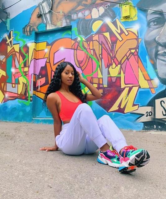 adidas sponsor me . . . . . .  #blogger #fashion #fashioninfluencer #beautiful #fit #body #ootd #instafashion #fashionblogger