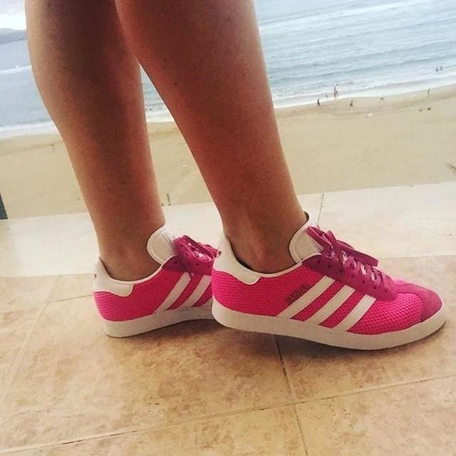 Para a coleção hehe #newbabies #adidas #gazelle #pink #inlove 🎀👟